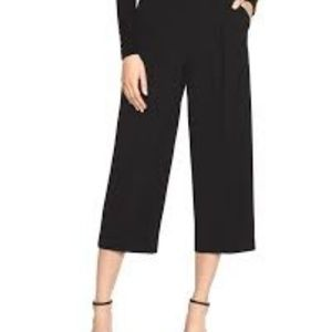 White House Black Market tapered cocoon crop pants